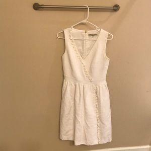 Trina Turk size 4 white midi dress